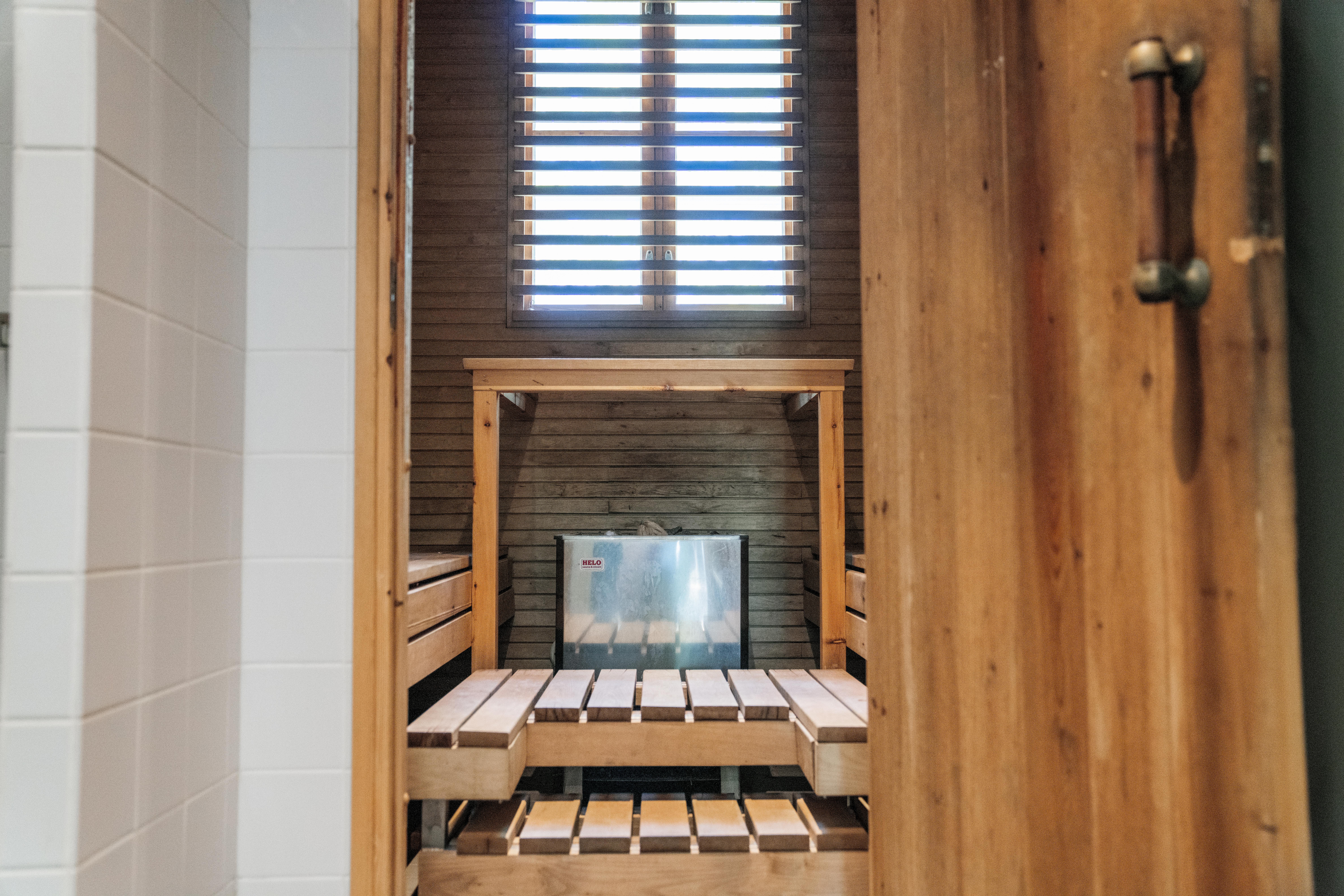 2105-Bastion Bistro-Sauna104