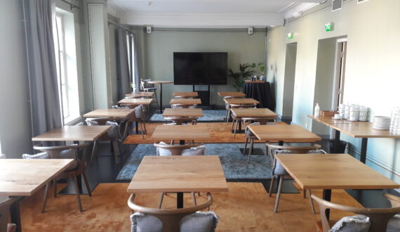 Sofian kulma luokkamuoto_turvavälit
